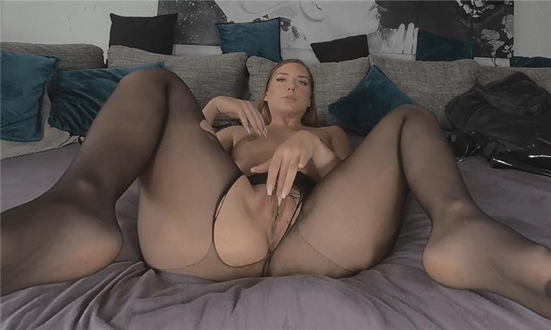 Lisa - Young Horny Bitch just Starting Over
