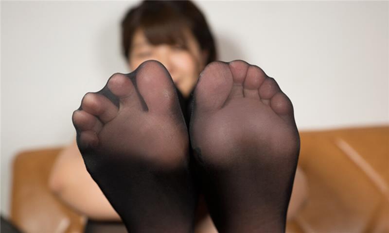 Anri Namiki – Pantyhose Licking JOI