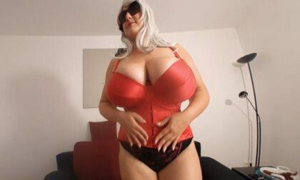 A Hot Corsage Strip with Busty Stella
