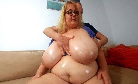 Big Boobs Oiling with Busty Miranda