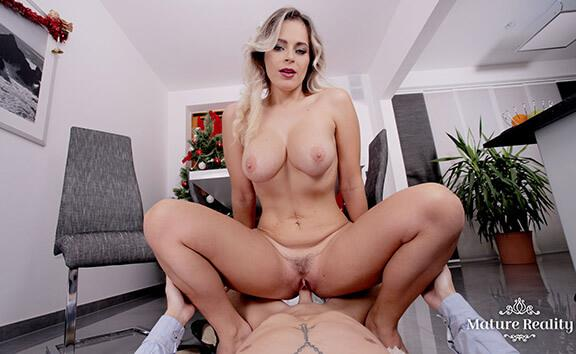 The Christmas Dinner - POV Cheating MILF