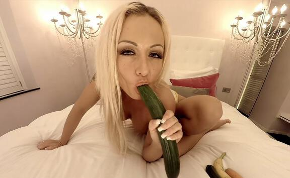 Milena Likes to Fuck Her Veggies - Busty Blonde Toying