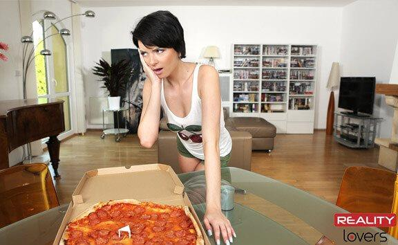 Do The Pizza Girl! - Voyeur