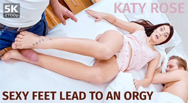 Sexy feet lead to an orgy