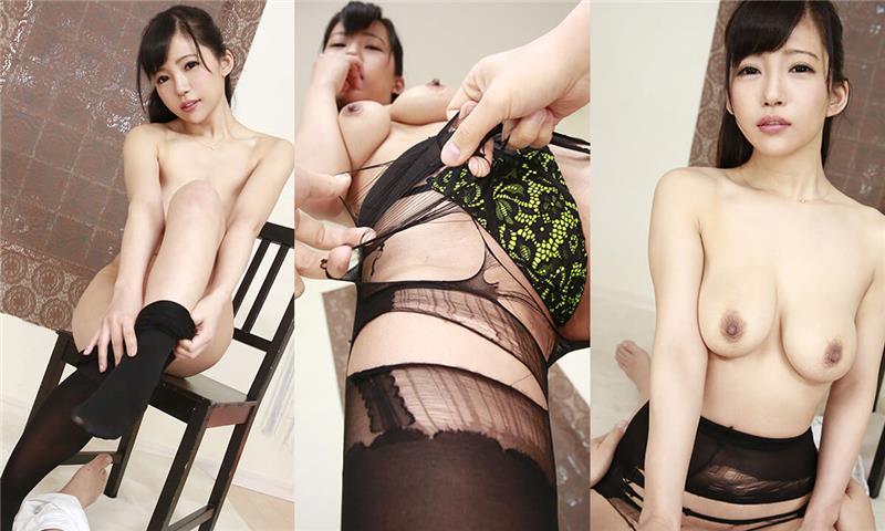 Kazuha Mizukawa – Ripping Off her Black Pantyhose Kazuha Mizukawa