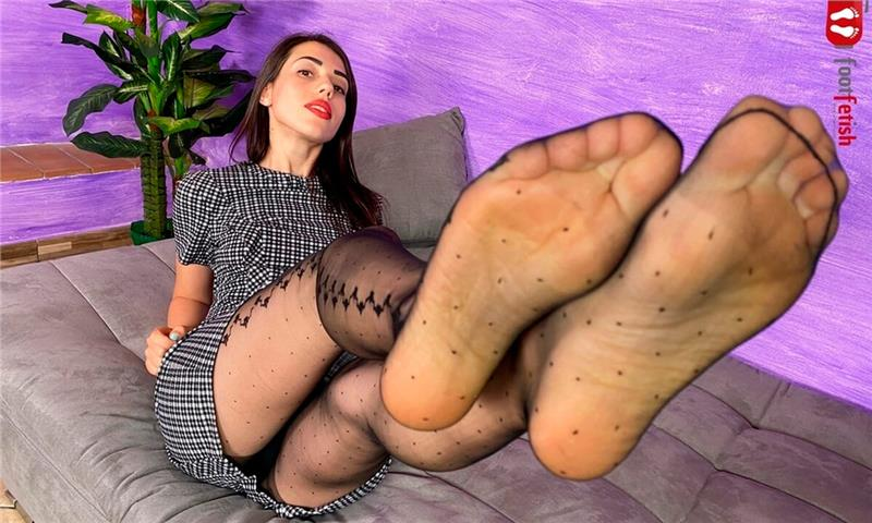 Gorgeous Petra Rolls Down Her Nylons And Puts Some Lotion On Her Feet