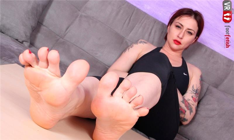 Sexy Ammalia Wants You To Smell Her Sweaty Feet Odor - Intense Foot Fetish Close-Up