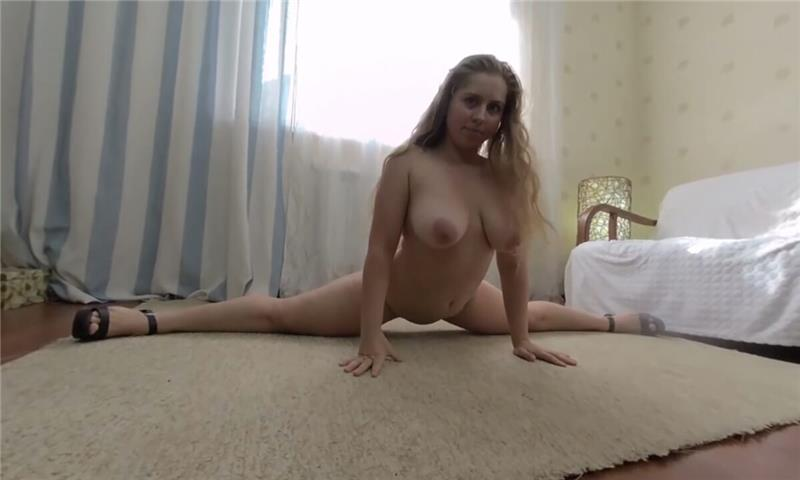 Chubby And Flexy Big Tits Anabelove
