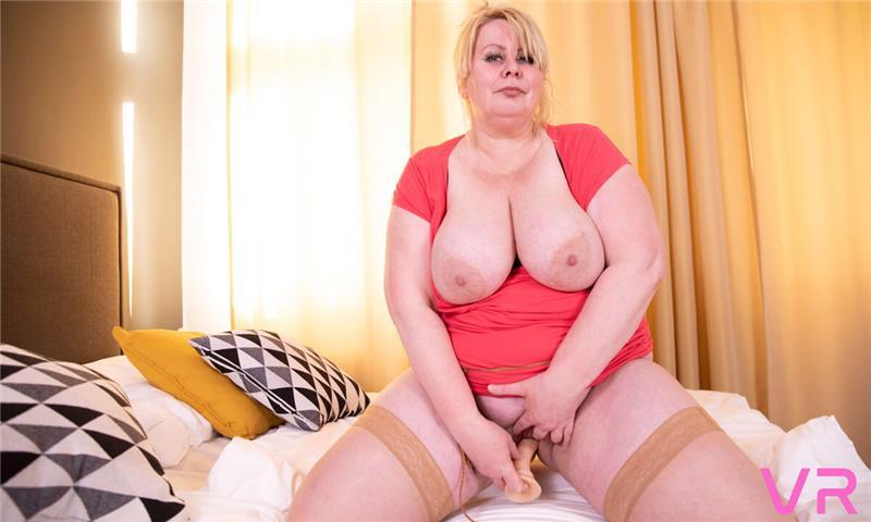 Filthy Horny MILF Enjoys With Her Dildo