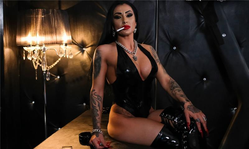 Mistress Kennya - Up Close And Personal Session